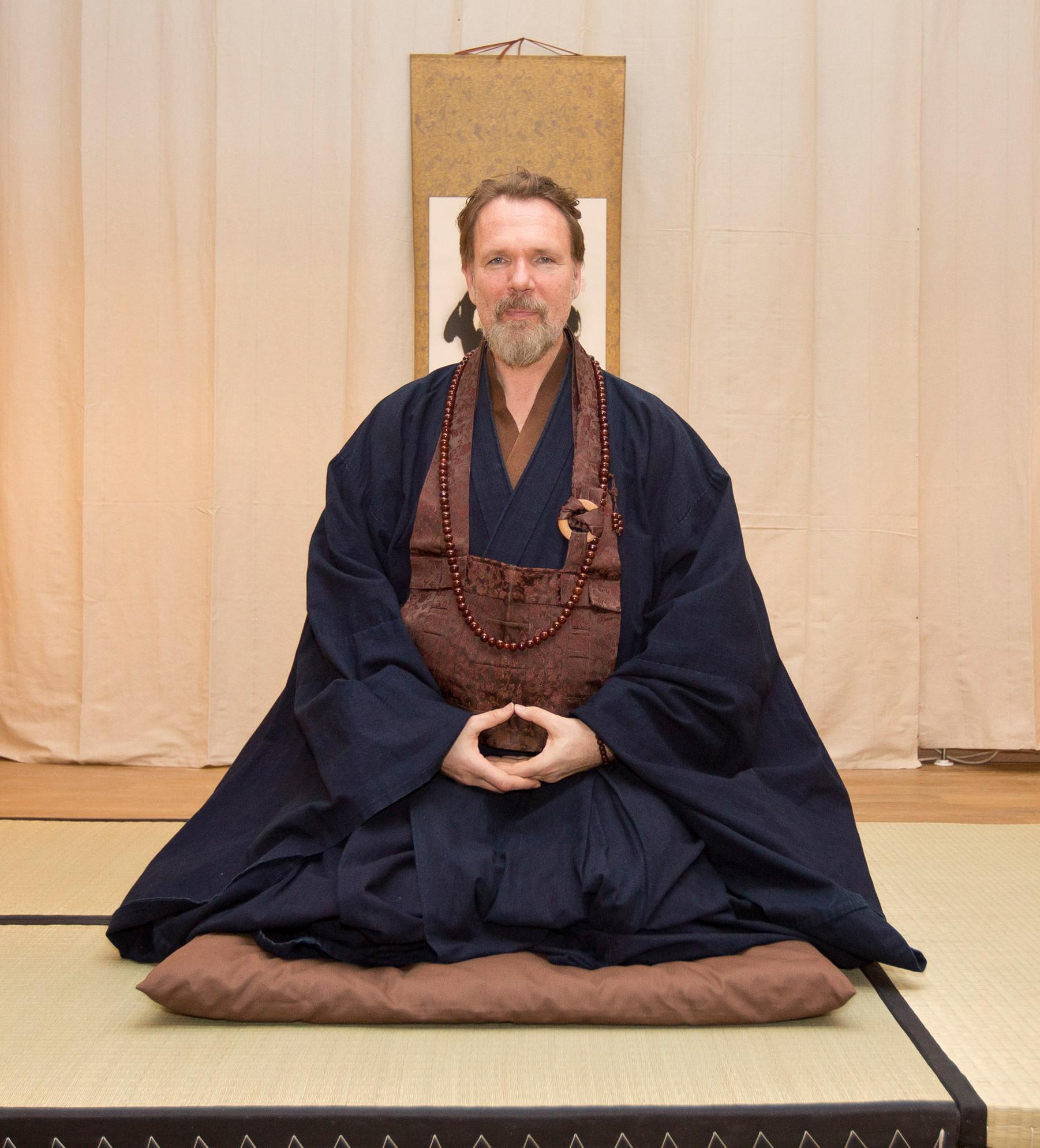 Zen-Meister Hinnerk Polenski gründetet die Zen Schule.