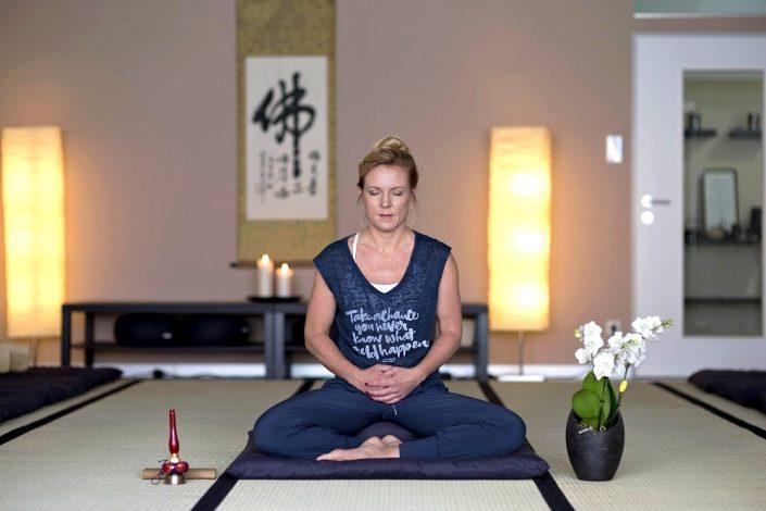 Im Meditations-Workshop lernst du alles Wissenswertes über die Zen Meditation kennen.