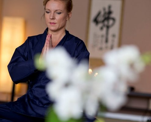 Zen Meditation lernen und dadurch schwierige Situationen besser meistern.