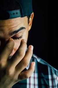 Ursache n für Schlafstörungen können Burnout, Angst Unruhe uvm. sein.