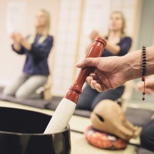 Rezitation lernen in der Zen Lounge in Salzburg Süd